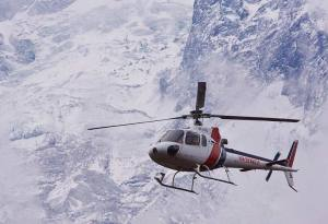 Everest Base Camp Helicopter Tour Cost, Best Season, Guide and Itinerary