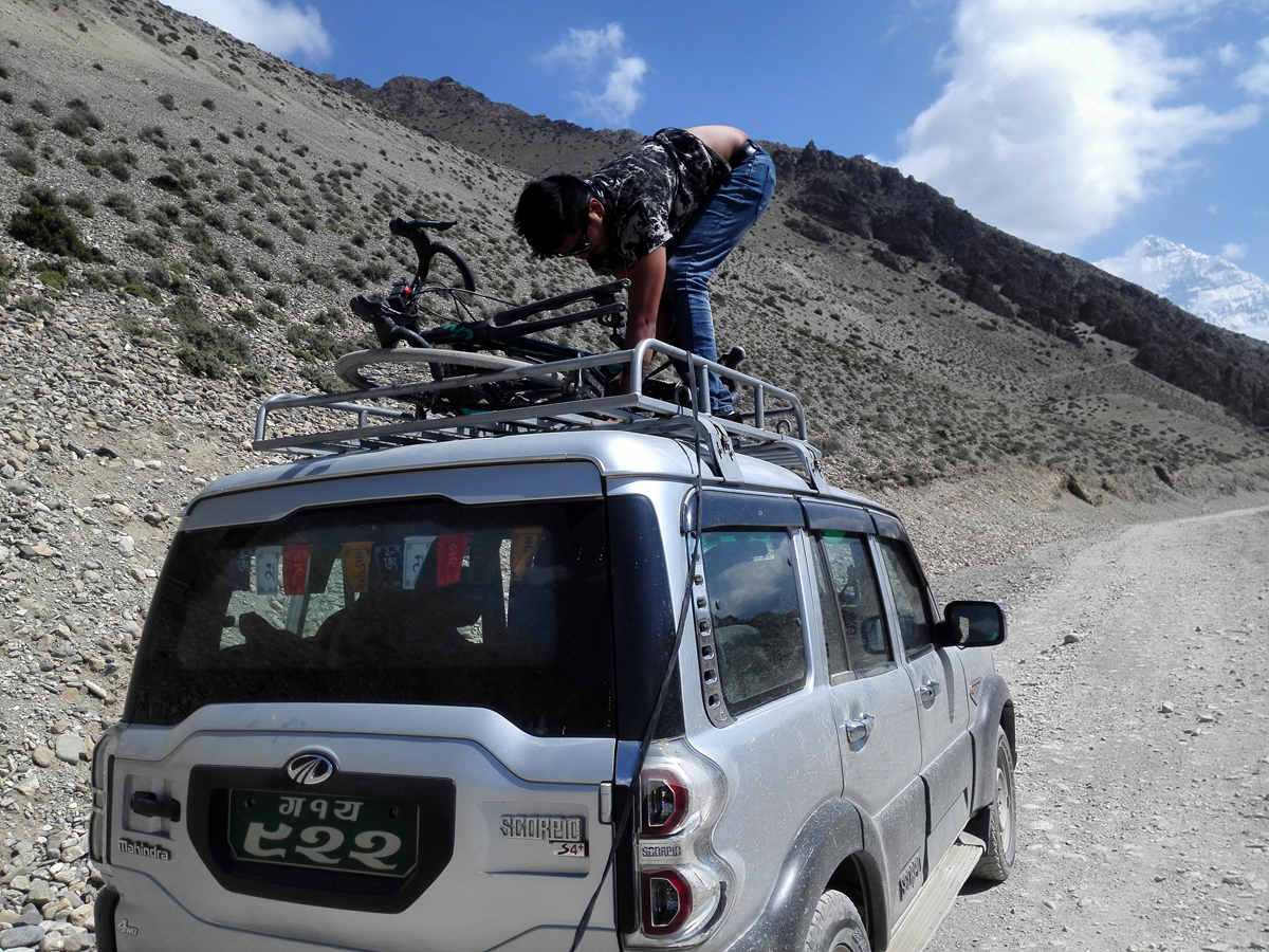 mustang-mountain-biking-tour-nepal
