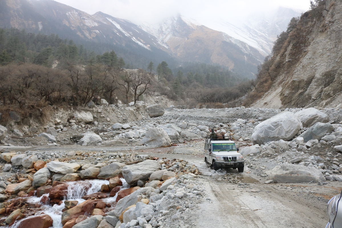 Pokhara to Jomsom by road