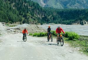 Mountain Biking-Cycling in Mustang-Nepal (Jomsom, Muktinath, Kagbeni and Upper Mustang): Guide Cost and Itinerary