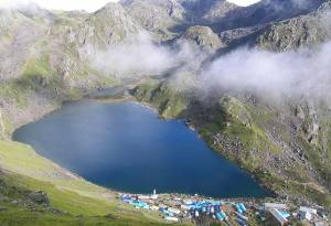 Trek and explore the Gosaikunda Lake in Langtang-Nepal