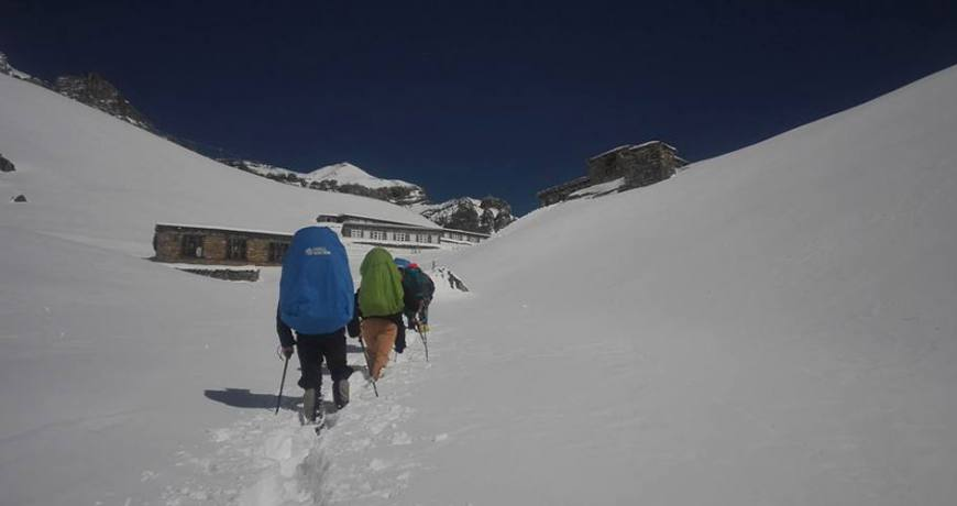 Heading to Annapurna Thorong La Pass (5416 meters)