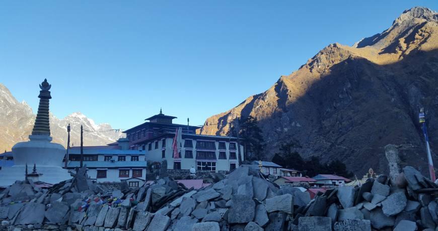 Tengbuche Monastery (3860 meters)