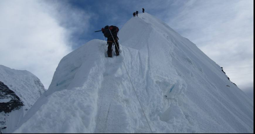 Climbing to Island Peak Summit