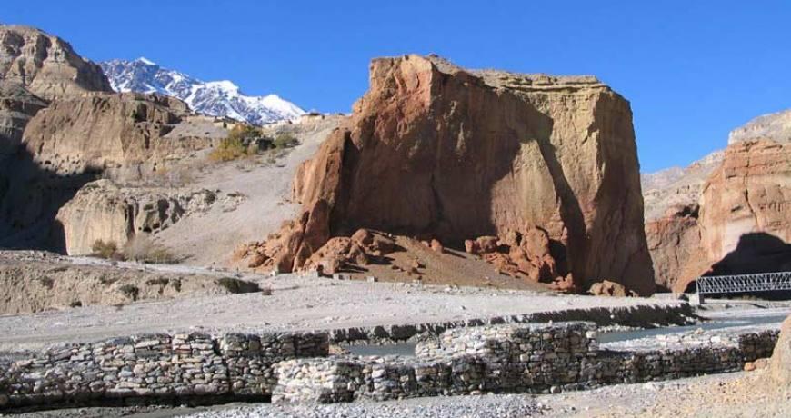 Way to Upper Mustang
