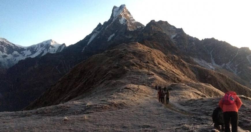 Trekkers heading towards the Mardi Himal