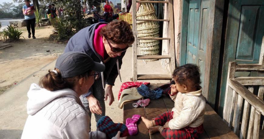 Meeting local children in Salangghat