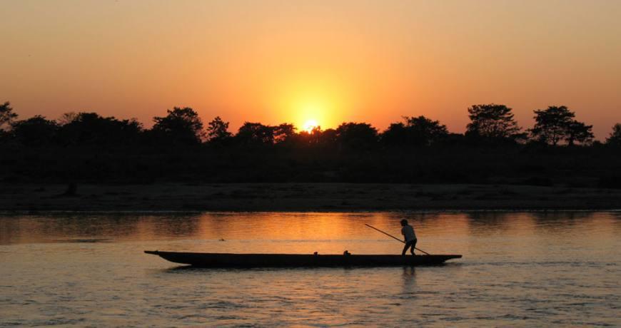Canoeing in Chitwan National Park